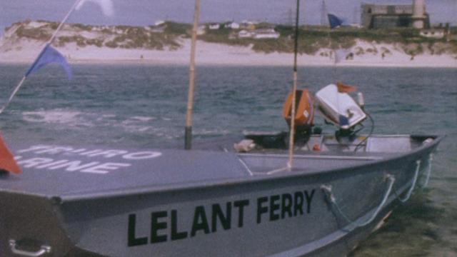 Lelant to Hayle Ferry | The new Lelant to Hayle Ferry cuts across the estuary